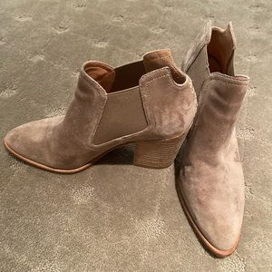 Sigerson Morrison Tan Heeled Booties